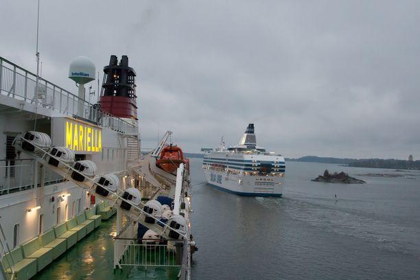 Ruotsinlaivojen hyteissä ei saa käyttää omia musiikkilaitteita.