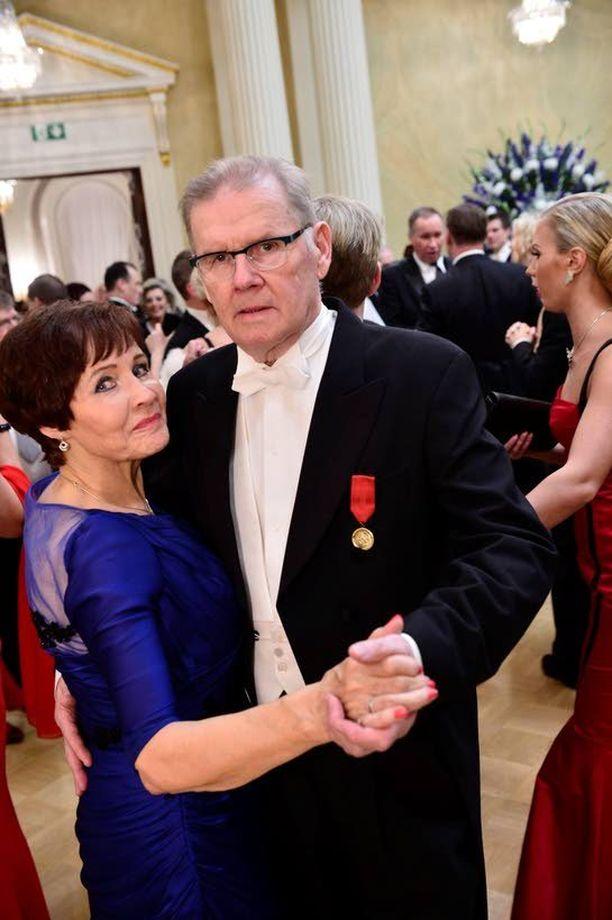 Antti Litja juhli naisystävänsä Eve Erämetsän kanssa Presidentinlinnassa itsenäisyyspäivänä viime vuonna.