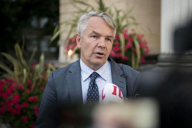 Ulkoministeri Pekka Haavisto toimi lainvastaisesti, mutta ei saa syytettä.