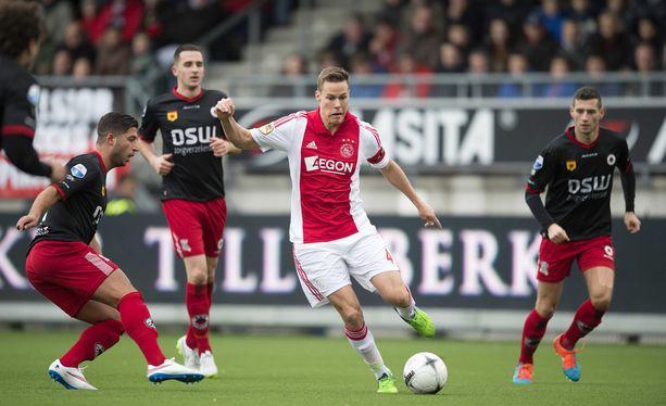Siirtyykö Ajaxissa pelaava Niklas Moisander Valioliigaan?
