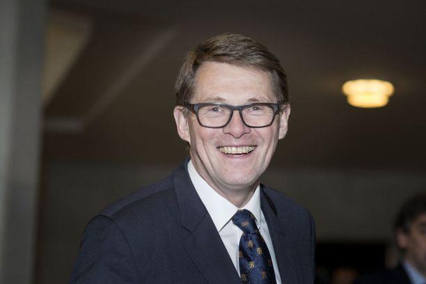 Matti Vanhanen puhui keskustan puheenjohtajapäivillä lauantaina.
