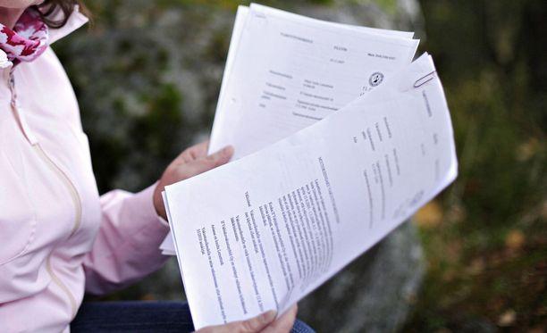 Vakuutusyhtiöiden korvauspäätökset ovat ihmetyttäneet osaa kansalaisista. Kuvituskuva.