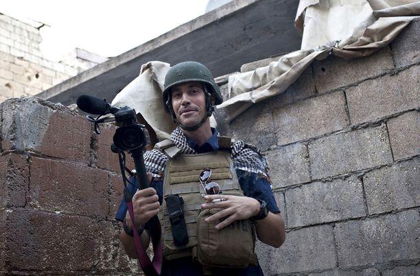 James Foley raportoi amerikkalaisille Syyrian sodasta. Hänet mestattiin elokuussa 2014.