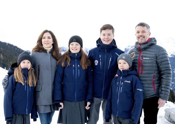 Tanskan kruununprinssi oli perheineen Sveitsissä talvilomalla viime tammikuussa.
