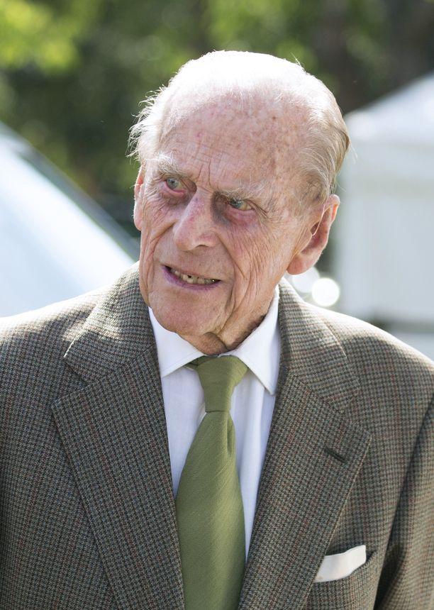 Prinssi Philip osallistui myös poikansa syntymäpäiville.