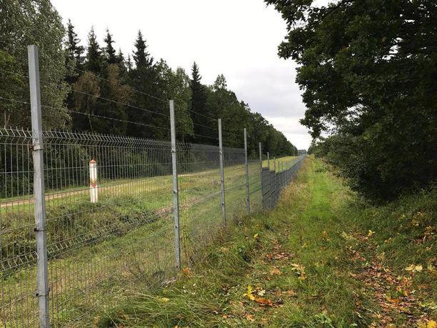 Medininkain kylän perukoilla vastaan tulee Valko-Venäjän raja-alue.
