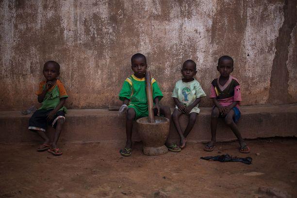 Tuhannet ovat joutuneet jättämään Keski-Afrikassa kotinsa väkivaltaisuuksien tieltä.