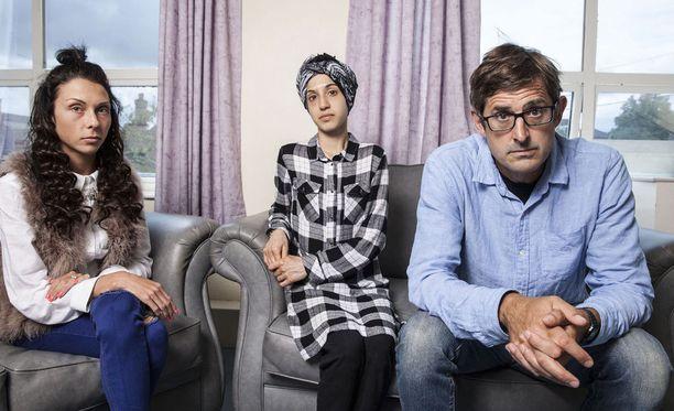 Louis Theroux haastattelee ohjelmassaan myös nuorempia anoreksiapotilaita. Kuvassa osastolla olevat Rosie ja Ifzana.
