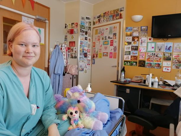 Kortit ovat ilahduttaneet sairaalassa olevaa Heidi Lindholmia. Torstaina hän kuvaili vointinsa olevan ihan hyvä.
