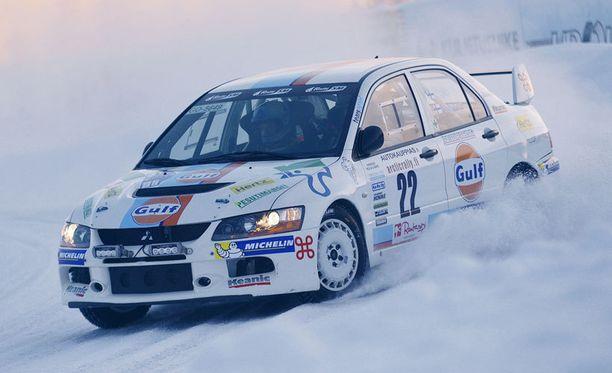 Juha Salo kaasutteli Arctic Lapland -rallin voittoon.