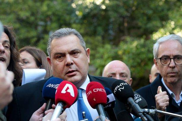 Puolustusministeri Panos Kammenos erosi sunnuntaiaamuna.