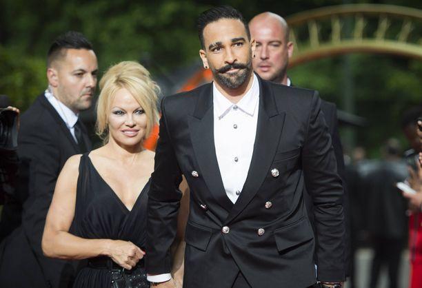 Pamela Anderson ja Adil Rami ovat eronneet.