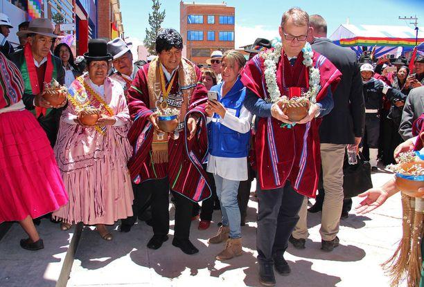 Pääministerin normipäivä Bolivian-toimistolla.