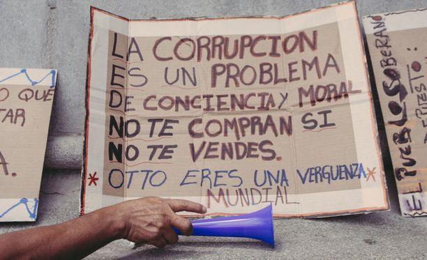 Arkistokuva (2015) korruption vastaisesta mielenosoituksesta Guatemala cityssä.