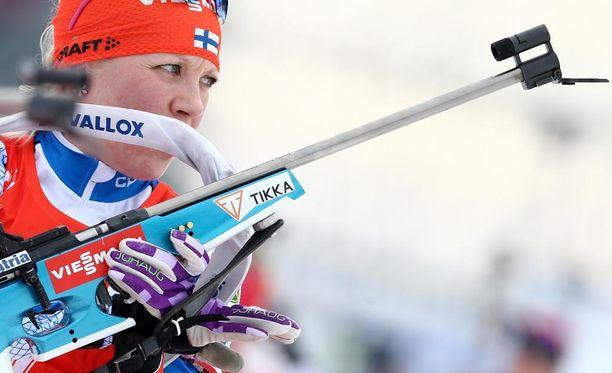 Tuuliolosuhteet saattavat vaikuttaa naisten ampumahiihdon maailmancupin avauskisan lopputuloksiin, epäilee Kaisa Mäkäräinen.