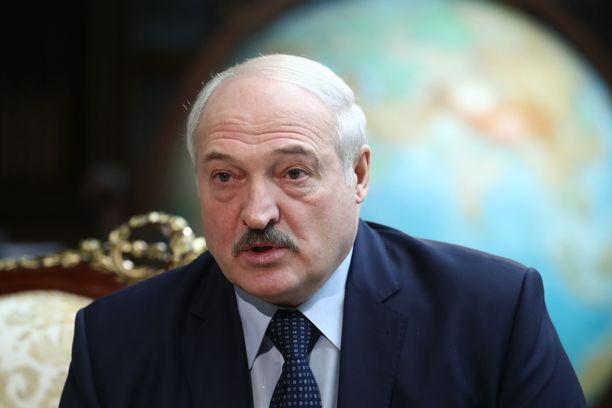 Aljaksandr Lukašenka ei voi enää matkustaa Sveitsiin.