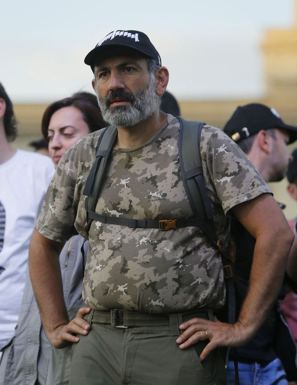 Nikol Pashinian ilmoitti keskiviikkona, että hän on saamassa kaikkien puolueiden tuen tulevassa pääministeriäänestyksessä.