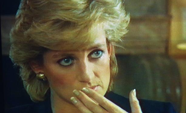 Prinsessa Dianan kohuhaastattelun jälkipyykkiä on pesty tänä vuonna raivokkaasti.