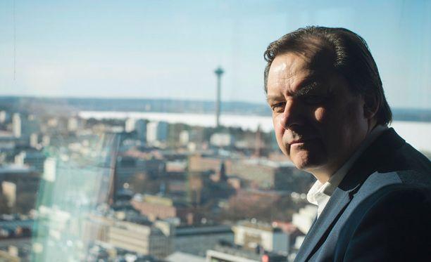 Tampereen kaupungin elinvoimasta ja kilpailukyvystä vastaava johtaja Teppo Rantanen kertoo, että Tampereen tavoitteena on olla maailman paras älykaupunki.