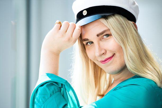 Alexandra Jääskeläisellä on tänä keväänä monta aihetta juhlaan.
