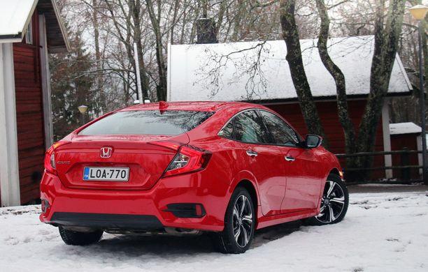 Sedanperäiset autot alkavat vähetä Suomessa, mutta tälle muodolle on yhä kysyntää.