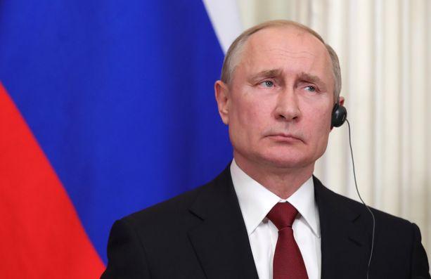 Vladimir Putinin jatko saatetaan turvata perustuslakia muuttamalla.