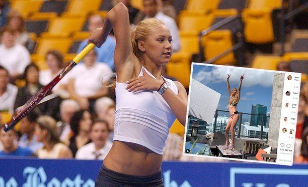 Anna Kournikova hyväntekeväisyysottelussa vuonna 2003.