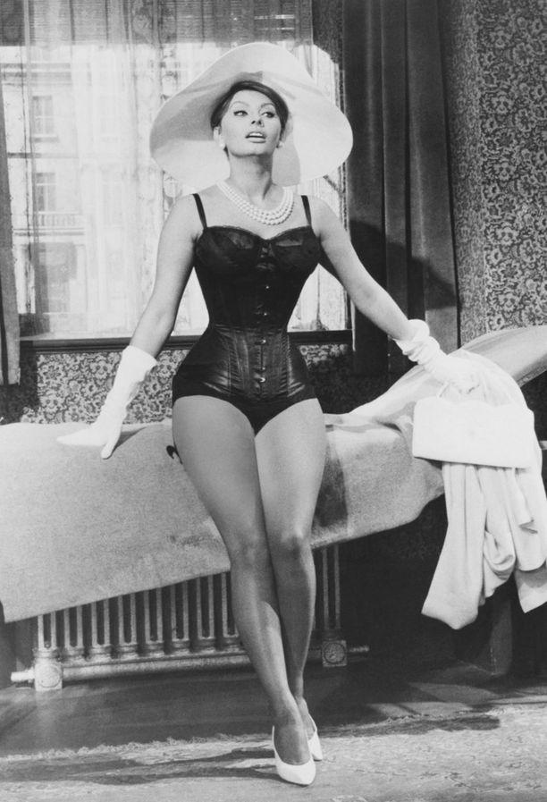 Sophia Lorenin vartalomallista ei ole epäselvyyttä, mutta millaiset ovat omat mittasi?