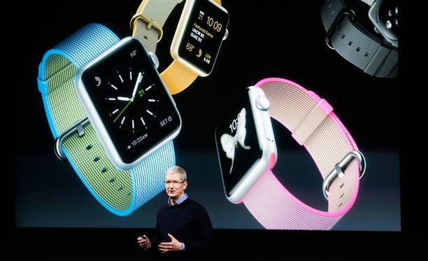 Applen toimitusjohtaja Tim Cook julkisti uuden, ohuemman version Apple Watchista maaliskuussa.