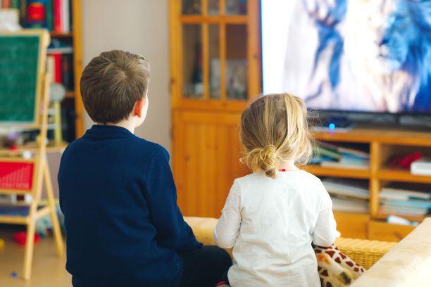 Lukijat muistuttavat, että lastenohjelman pelottavuuteen vaikuttaa muun muassa ohjelman musiikki.