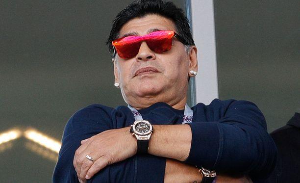 Diego Maradona seurasi tarkasti Argentiinan avausottelua Moskovassa.