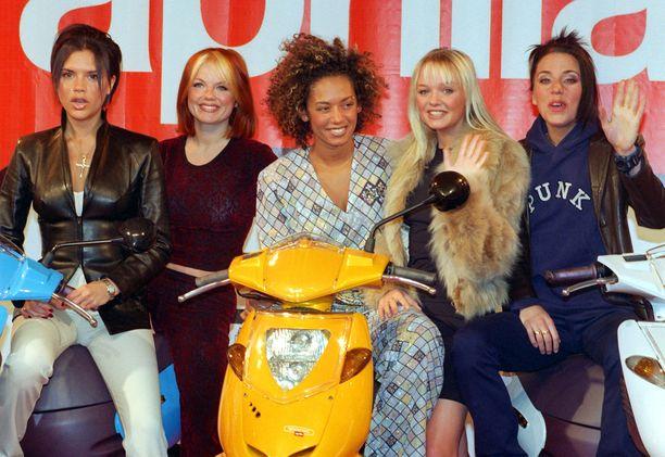 Kuvassa Spice Girls -yhtye vuonna 1998.