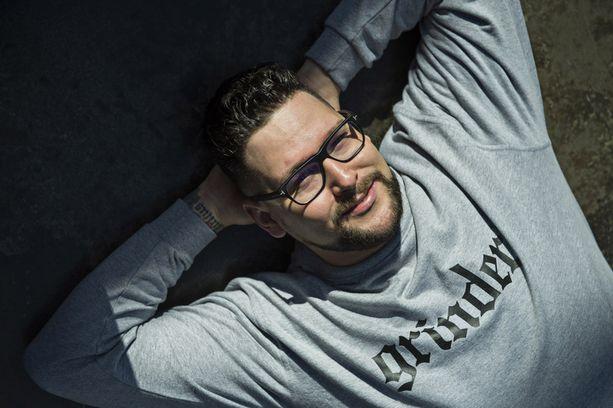 Ohjaaja Timo Vuorensola aloittaa Iron Sky -elokuvan toisen osan kuvaukset Belgiassa ensi viikolla.