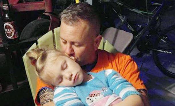 Marc Hadden kertoo, että hänellä on erityisside tyttäreensä johtuen siitä, että isä oli auttamassa synnytyksessä.