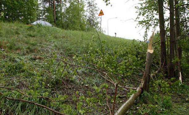 Espoossa viime vuonna tapahtuneessa ulosajossa kuoli kaksi paikallista nuorta aikuista.