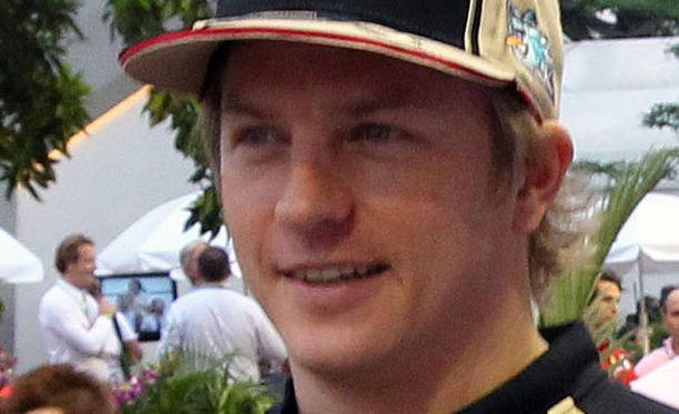 Kimi Räikkönen jahtaa pisteitä.