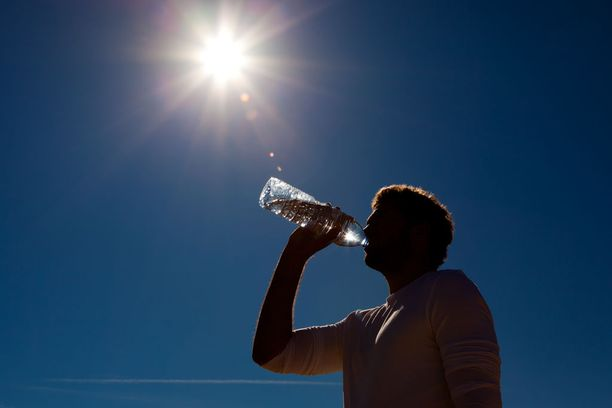 Porottavaa auringon paistetta on luvassa suureen osaan maata.