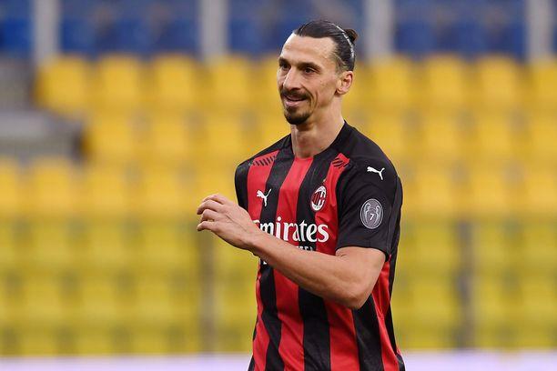 Zlatan Ibrahimovic ei esitä väsymisen merkkejä vuosikymmenien karttumisesta huolimatta.