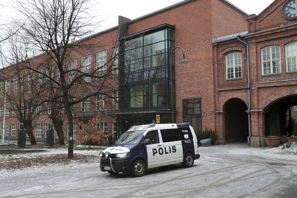 Pirkanmaan käräjäoikeus tuomitsi kiduttajapariskunnan ehdottomaan vankeurangaistukseen. Kuvassa Tampereen oikeustalo.