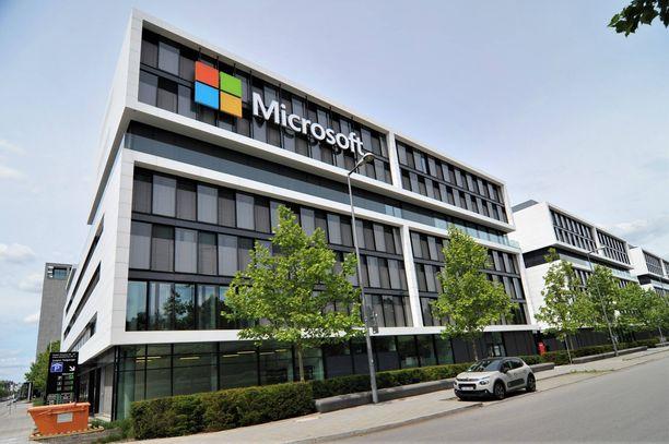 Microsoft sulkee 79 myymälän ovet.