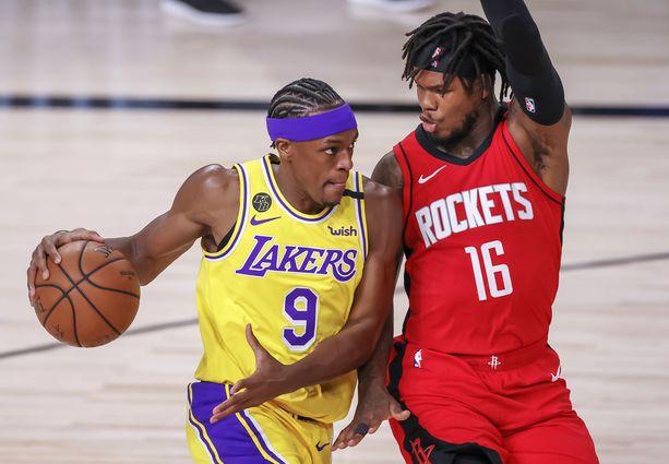 Rajon Rondo (vas.) pelaa Los Angeles Lakersissa.