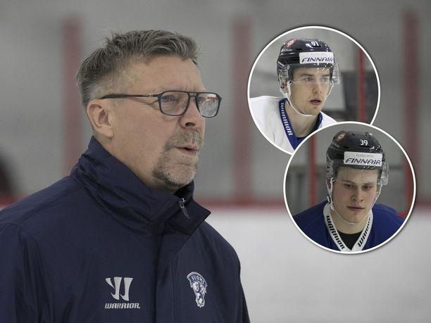 Juho Lammikko ja Jesse Puljujärvi harjoittelivat Jukka Jalosen tiistaina vetämissä leijonatreeneissä eri ketjuissa.