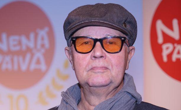 Muusikko Timo Kojo vastaa keskiviikkona syytteisiin törkeästä kavalluksesta.