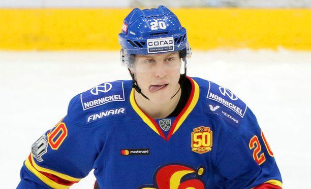 Eeli Tolvasta ei valittu KHL:n vuoden tulokkaaksi.