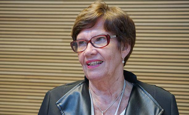 Kansanedustaja Sirkka-Liisa Anttila (kesk) on suivaantunut muutamien kokoomusedustajien toiminnasta Soinin luottamusäänestyksessä.