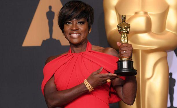 Viola Davis voitti ensimmäisen Oscarinsa.