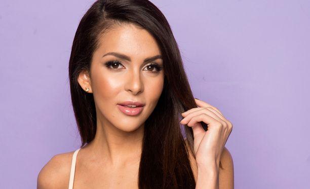 Sara Chafak valittiin Miss Suomeksi neljä vuotta sitten.