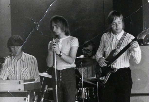 Rauli Badding Somerjoki esiintymässä 80-luvun alussa.