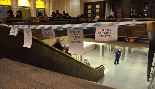 Rautatientorin metroasema saattaa olla suljettuna jopa kuukausia.