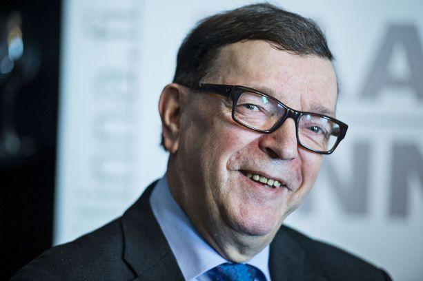 Paavo Väyrysen mielestä hänen presidenttiytensä olisi monellakin tapaa win-win-tilanne. Arkistokuva vuodelta 2016.
